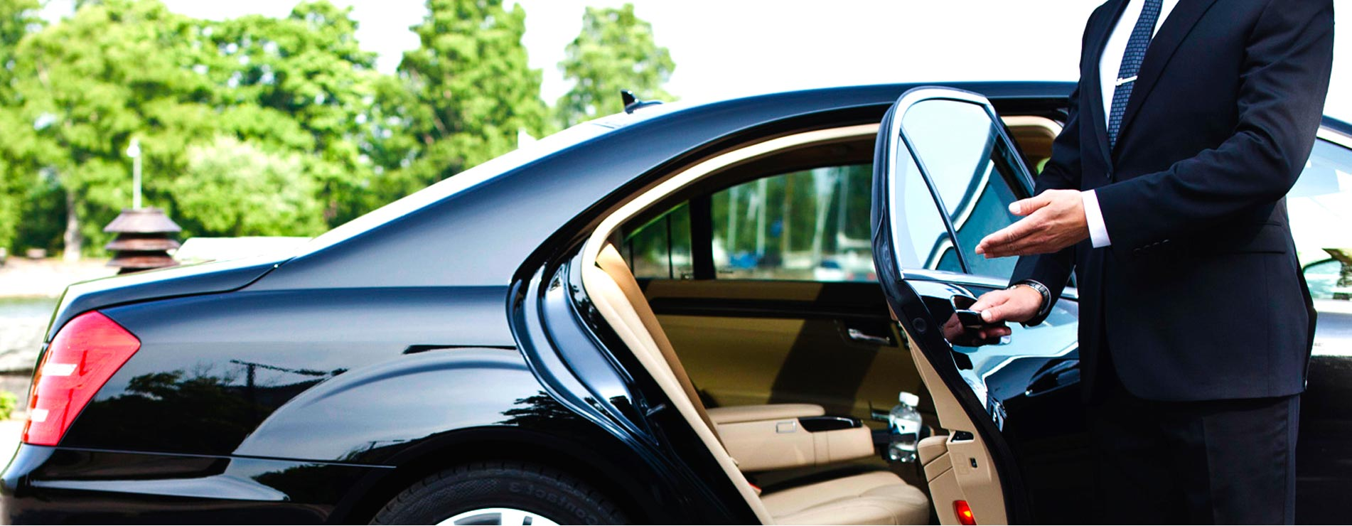 WHAT EXACTLY DO YOU GET WITH A FULL-SERVICE LIMO?